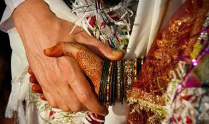 Uttar Pradesh: 15 People Including Groom Fall Into Drain as Bridge Outside Banquet Hall Caves in
