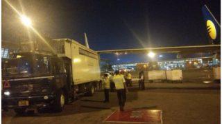 दिल्ली एयरपोर्ट पर कैटरिंग ट्रक से टकराया विमान का विंग, हादसा टला