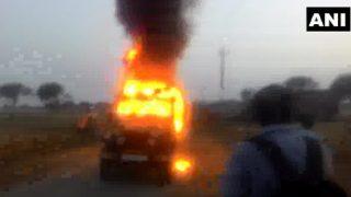 गोरखपुर: डबल मर्डर के बाद भीड़ ने की आगजनी, पुलिस को करनी पड़ी फायरिंग