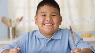 दूध और बच्चों में मोटापे का क्या है संबंध, सदियों पुरानी सोच को बदल देगी ये खबर...