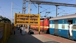 Coolie Clears Kerala Public Service Commission Written Test With Help of Free WiFi at Ernakulam Station