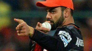 आरसीबी टॉस जीतकर पहले कर रही है गेंदबाजी, टीम में इस दिग्गज खिलाड़ी की हुई वापसी