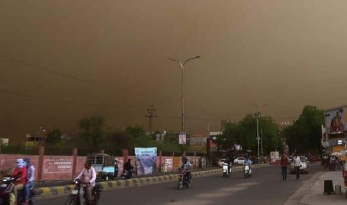 Delhi-NCR to Witness Heavy Rainfall, Hailstorm Today; Temperatures to Dip in Coming Days, Predicts IMD
