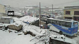 बर्फबारी-भूस्खलन के चलते रुकी केदारनाथ-बदरीनाथ यात्रा, दो श्रद्धालुओं की मौत