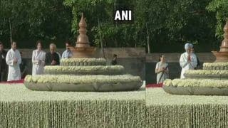 राहुल, प्रियंका, वाड्रा और प्रणब ने दी स्वर्गीय राजीव गांधी को श्रद्धांजलि, मनमोहन के साथ सोनिया पहुंची वीरभूमि