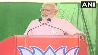 Karnataka Assembly Elections 2018: PM Narendra Modi Takes a Dig at Rahul Gandhi, Says 'Congress Doesn't Trust Own Naamdaar, Called His Mother to Salvage Situation'