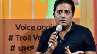 Prakash Raj Criticises Amitabh Bachchan For Not Commenting On The Kathua Case