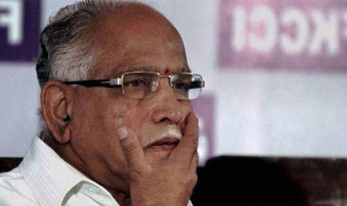 अब बीजेपी ने कांग्रेस-जेडीएस पर लगाए विधायकों को खरीदने के आरोप, सभी MLAs दिल्ली में ठहरे