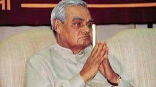 Atal Bihari Vajpayee Poems: A Look at Some of The Famous Couplets by The Former Prime Minister