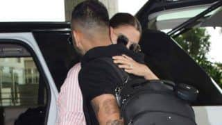 Anushka Sharma Bids Goodbye to Virat Kohli at The Airport With a Tight Hug; View Pictures
