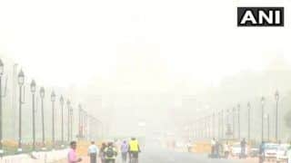 Delhi Records Worst Air Quality of Season as Haze Engulfs City; Air Quality Index Stands at 'Very Poor Category'