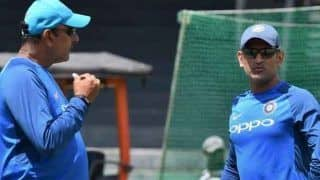 Head Coach Ravi Shastri Hints on MS Dhoni's Future, Says IPL Could Decide India's Final 15 For World T20 in Australia