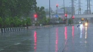 Mumbai Rains: 1 Dead, 5 Missing After Heavy Rains Creates Havoc in City; Traffic Hit, Train Services Disrupted