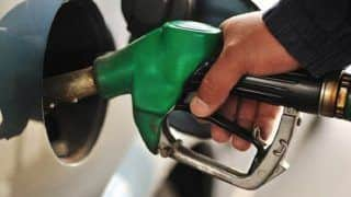 Petrol Price Down Upto 8 Paise; Retailing at Rs 76.30 in New Delhi, Rs 83.75 in Mumbai; Check Out Fuel Prices in Your City