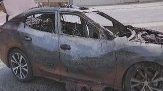 VIDEO: Samsung Galaxy S8 और S4 में लगी आग, कार जलकर राख