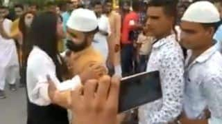 Muslim Girl Gives Hugs to More Than 50 Young Boys on Eid in Uttar Pradesh's Moradabad; Video Goes Viral