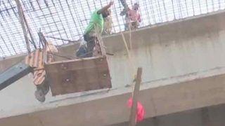 वाराणसी में एक और हादसा, बाबतपुर में फ्लाईओवर का प्लेट गिरा
