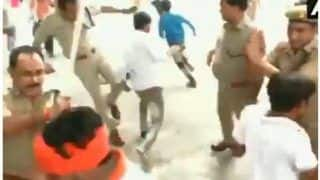 VIDEO: SSP ऑफिस में हिंदू जागरण मंच के कार्यकर्ताओं पर लाठी चार्ज, पुलिस ने गेट बंद कर पीटा
