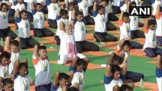 International Yoga Day 2018: पीएम मोदी ने किया योग, कहा- देहरादून से डबलिन तक योग ही योग है