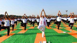 अंतरराष्ट्रीय योग दिवस: पीएम मोदी ने देहरादून में किया योग, दुनियाभर में मना योग उत्सव