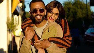Sonam Kapoor Croons 'Abhi Na Jao Chhod Kar' For Husband Anand Ahuja - Watch Video