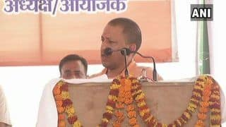 Uttar Pradesh CM Yogi Adityanath Criticises Mughal Emperor Aurangzeb For Forcing Kashmiri Pandits to Change Their Religion