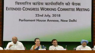 CWC Meet: Sonia Gandhi, Manmohan Singh Attack PM Narendra Modi, Vow to Support Rahul Gandhi in Restoring India's Economy