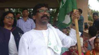 कौन हैं झारखंड में BJP की नैया डुबोने वाले हेमंत सोरेन, कुछ ऐसी रही है अब तक की जर्नी