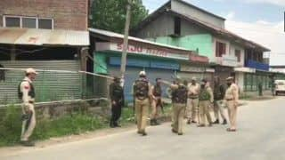 Jammu And Kashmir: Terrorists Open Fire Upon Police Party at Sopore Bypass; Area Cordoned Off