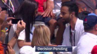 INDvsENG: मैच के दौरान दर्शक ने महिला को शादी के लिए किया प्रपोज, VIDEO वायरल