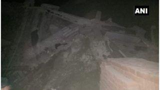 ग्रेटर नोएडा में गिरीं दो इमारतें, मलबे में दबे कई लोग, भारी अफरातफरी