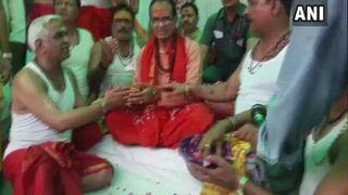एमपी: सीएम शिवराजसिंह चौहान ने जन आशीर्वाद यात्रा से पहले की महाकाल की पूजा