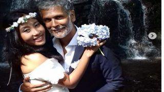 25 साल छोटी पत्नी से बढ़ रहा मिलिंद सोमन का इश्क, स्पेन में फिर की शादी, देखें तस्वीरें...
