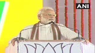 Narendra Modi in Shahjahanpur: PM Hits Out at Rahul Gandhi Over 'Unwanted Hug', Says he Can See Nothing But Prime Minister's Chair