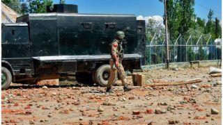 जम्मू-कश्मीर के कुलगाम जिले में सुरक्षा बलों की गोलीबारी में तीन नागरिकों की मौत