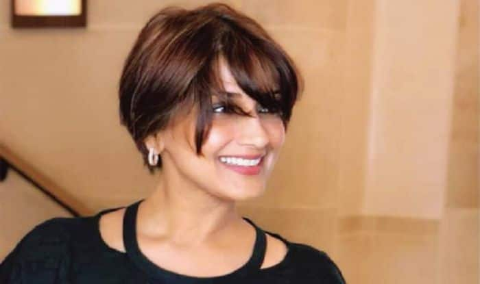 Sonali Bendre Flaunts Cancer Scar For Magazine Cover Shoot