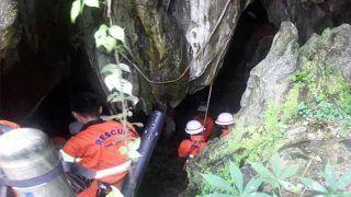 17 दिनों की जद्दोजहद के बाद आखिरकार गुफा से निकाले गए सभी 12 बच्चे और कोच