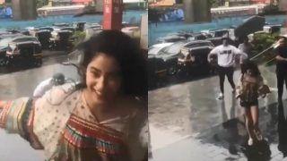मुंबई की बारिश में इस अंदाज में मस्ती करती नजर आईं जाह्नवी कपूर, VIDEO वायरल