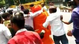 Swami Agnivesh Assaulted, Called 'Traitor' Outside BJP Office