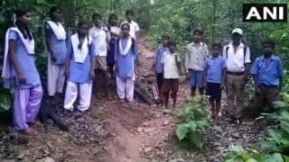 Chhattisgarh: Students of Balrampur Village Cross Rivers, Jungles to Attend School
