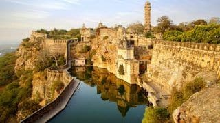 How to reach Chittorgarh Fort, the Legendary Palace at the Center of 'Padmavati'