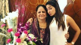 Bigg Boss 11 Finalist Hina Khan Wishes Her Mommy Happy Birthday With This Adorable Post; View Picture