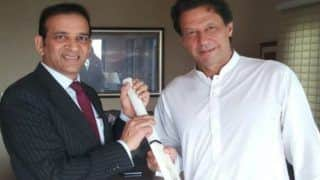 Indian High Commissioner to Pakistan Ajay Bisaria Calls on Imran Khan, Terms Meeting Positive, Constructive