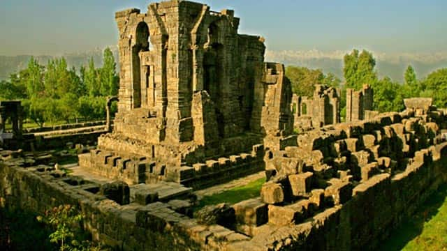 Kashmir's temples: Ruins of a glorious past | News Travel