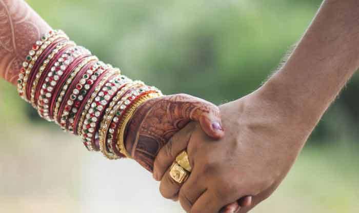 अपनी मर्जी से करना चाहते हैं शादी, वॉट्सऐप करिए, पुलिस करेगी मदद!