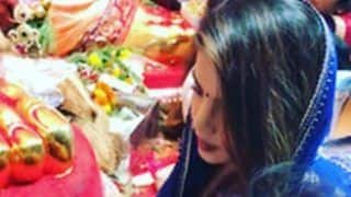 Priyanka Chopra at Lalbaugcha Raja 2017: Globetrotter Actress Is Back in Mumbai for Ganpati Utsav