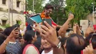 Kartik Aaryan Arrives In Gwalior To Shoot For Luka Chuppi, Receives A Warm Welcome From His Overjoyed Fans