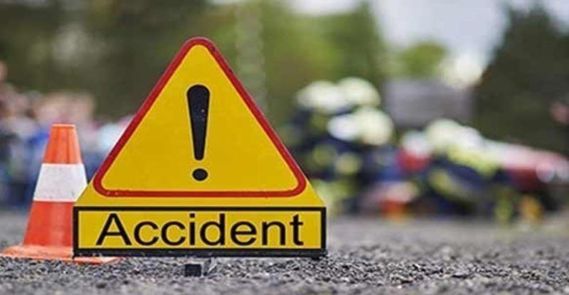 Uttar Pradesh: Three, Including BSF Jawan, Die After Car Crashes Into Bus in Bulandshahr