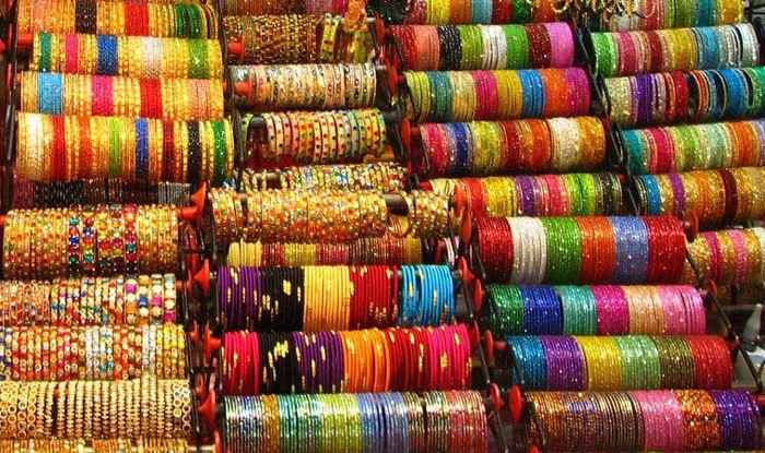 Shravan 2019 know why married ladies must wear green bangles