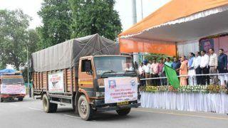 यूपी के मुख्यमंत्री योगी ने केरल के लिए रवाना की 25 ट्रक राहत सामग्री